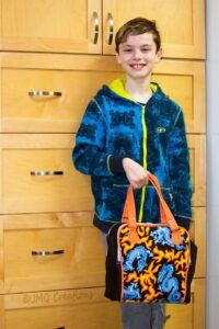 How smart! Janice used insulating fabric to make this lunch bag for her kiddo!